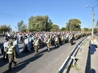 В Запорожье верующие УПЦ отметили 76-летие освобождения города от немецко-фашистских захватчиков крестным ходом