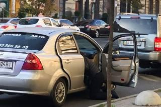 В Киеве прямо в такси умер мужчина
