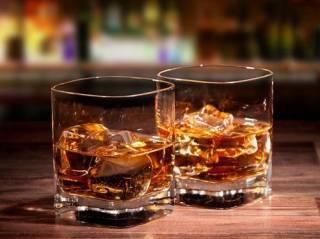 Медики нашли необычную связь между употреблением алкоголя и аритмией
