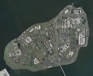 В США решили закрыть скандальную тюрьму-остров
