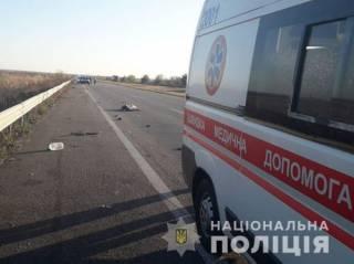 На Харьковщине грузовик смял припаркованную на обочине легковушку с людьми ‒ есть жертвы