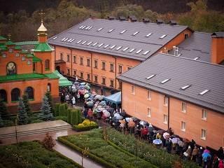 В Голосеевском монастыре 30 октября совершат три Литургии