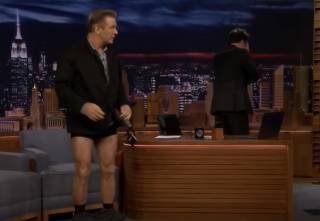 Их нравы: известный американский актер «потерял» штаны в телеэфире