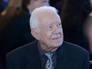 Экс-президент США угодил в больницу с переломом таза
