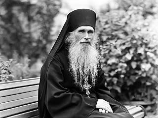 Предстоятель УПЦ рассказал, чему его научил духовный отец – архимандрит Кирилл (Павлов)