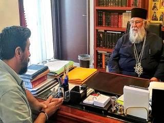 Греческий митрополит считает, что за церковным кризисом стоит политика