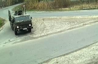 Под Полтавой грузовик эпично врезался в дом: появилось видео момента ДТП