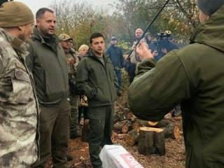 «Я ж не лох какой-то...» Зеленский на повышенных тонах поговорил с ветеранами АТО в Золотом