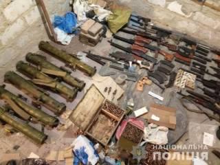 По следам смертельной перестрелки в Харькове полиция нашла крупнейший арсенал оружия