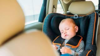 Водителей будут штрафовать за перевозку детей в автомобиле без автокресла