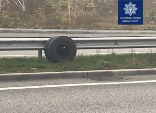 Отпавшие колеса у маршруток спровоцировали два ДТП на Киевщине. Не обошлось без жертв
