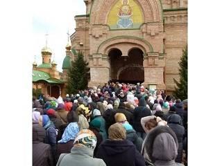 В Голосеевский монастырь в день памяти монахини Алипии пришли более 100 тысяч верующих