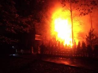 Масштабный пожар в центре Ровно уничтожил целый ресторан