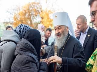 Тысячи украинцев в соцсетях поздравляют Митрополита Онуфрия с 75-летием