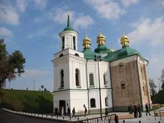 В Киеве до апреля закрыли церковь Спаса на Берестове