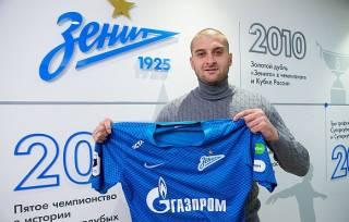 Уехавший в Россию защитник заявил, что прекращает выступать за сборную Украины