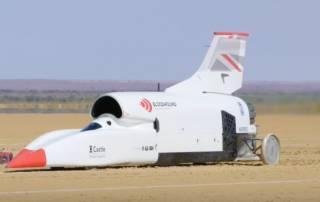 Британский автомобиль разогнали до скорости ракеты