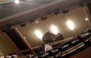 В известном лондонском театре потолок рухнул на головы зрителей