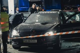 В Киеве байкер взорвал Mercedes с людьми