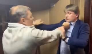 Появилось полное видео эпичной драки Геруса и Ляшко в аэропорту
