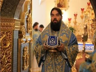 Митрополит УПЦ рассказал, о чем стоит подумать, перед тем, как молиться
