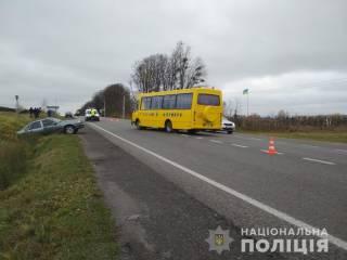 Школьный автобус, перевозивший детей, попал в ДТП на Львовщине