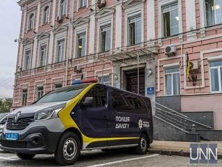 Пять человек доставлены в полицию после столкновения активистов УПЦ КП с сотрудниками суда