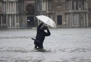 Венеция начала тонуть