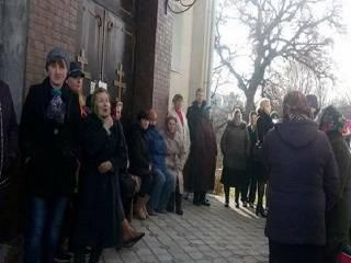 На Тернопольщине церковная община УПЦ защитила свой храм от захвата ПЦУ