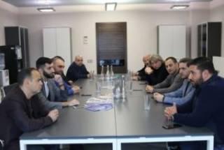 Главный уполномоченный по делам диаспоры Армении в Киеве встретился с депутатами Верховной Рады и армянской общиной