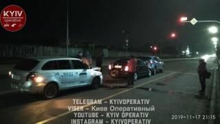 Пьяный таксист устроил дебош на улицах ночного Киева. Пострадала беременная женщина