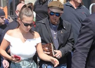 Актера Джонни Деппа бросила молодая русская любовница