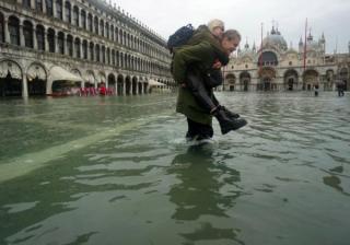 Наводнение в Венеции нанесло уже больше ущерба, чем пожар в Нотр-Даме