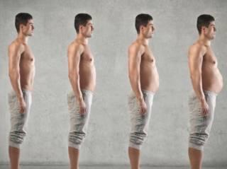 Ученые объяснили, почему у мужчин с возрастом растет живот