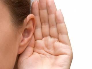 Ученые рассказали, как снизить риск возрастной потери слуха