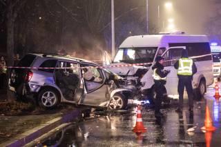 Лобовое столкновение «евробляхера» и маршрутки на Борщаговке закончилось трагедией