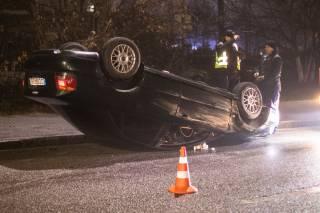 Ночью в Киеве эпично перевернулся автомобиль на «евробляхах»
