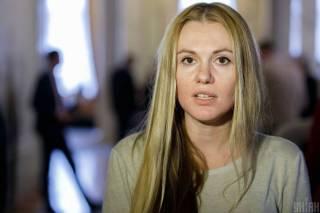 «Платят только послушным»: Скороход дала интервью о зарплатах в «Слуге», голосованиях и встрече с Зеленским