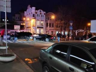 В центре Днепра произошло масштабное ДТП со стрельбой