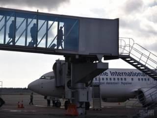 Во Львове самолет с пассажирами выкатился за пределы взлетно-посадочной полосы