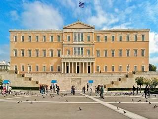 Греческий парламент не принял отделение Православной Церкви от государства