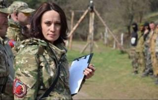В доме волонтера, которая обсуждала варианты убийства Зеленского, проходят обыски