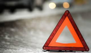 В Днепре автомобиль сбил ребенка: появилось видео момента ДТП