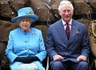 Королева Великобритании может отречься от престола в пользу сына