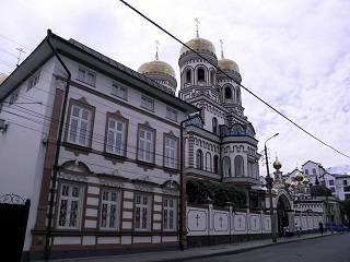 В Черновцах Митрополит Онуфрий возглавляет торжества в честь трех юбилеев Введенского монастыря