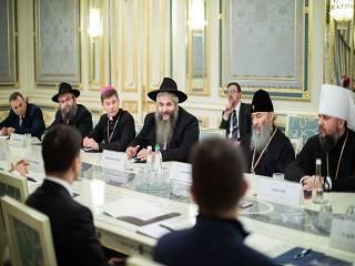 Предстоятель УПЦ поддержал мирные инициативы Президента Украины