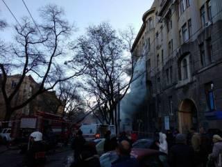 В Сети появилось видео начала пожара в одесском колледже, снятое одним из студентов