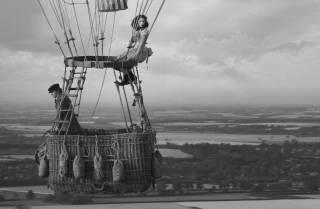 Фильм «Аэронавты»: трендовая история о том, как женщина спасла мужчину