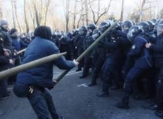 Полиция разогнала палаточный городок на Грушевского. Идут задержания