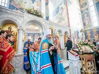 Митрополит Онуфрий рассказал, чему должны научить православные родители детей
